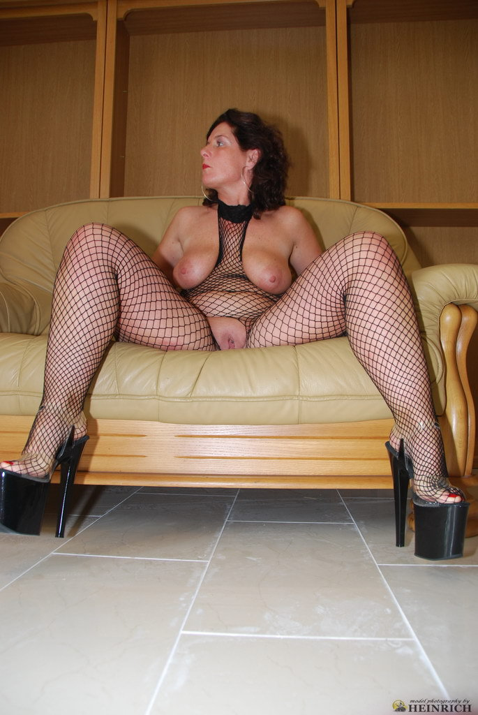 Busty Granny Net