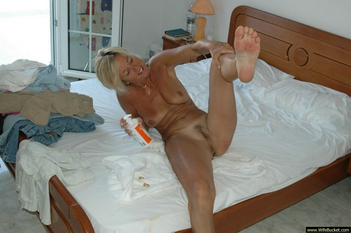 da gals my wife on homemade sex tape .