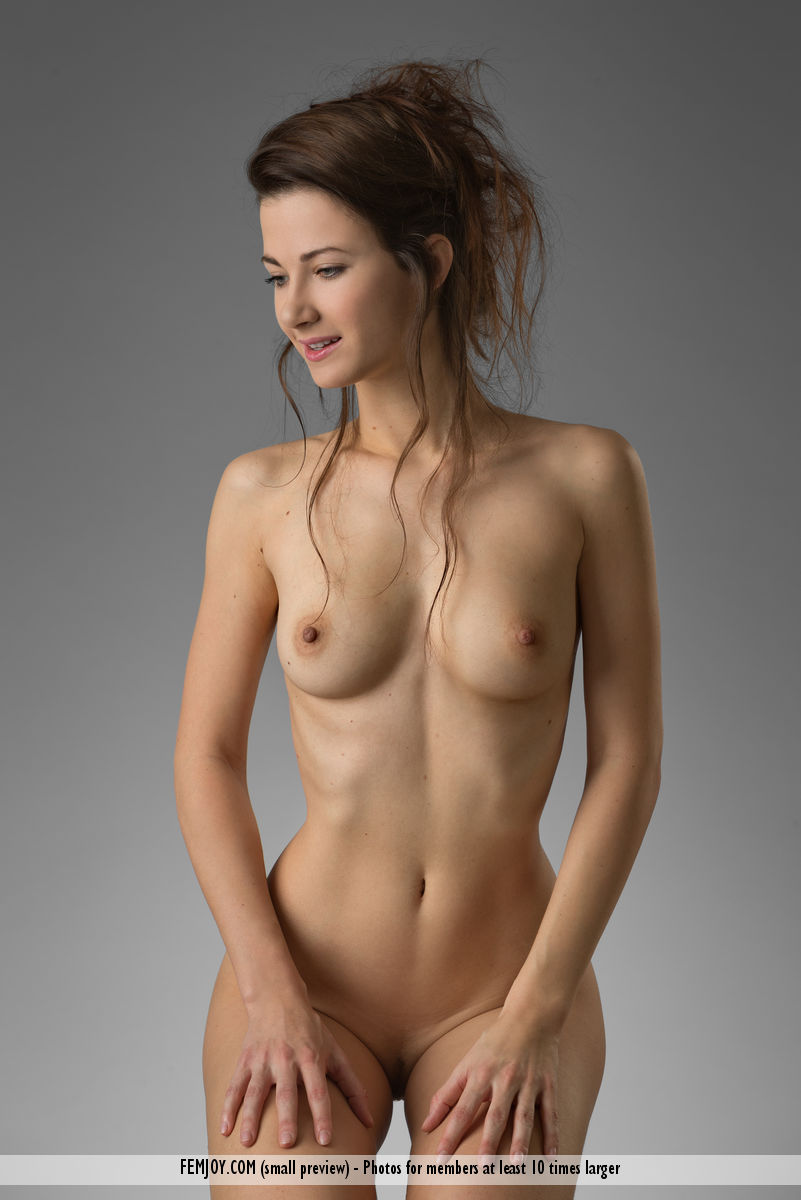 lauren-mode-naked-fake-tit-anal