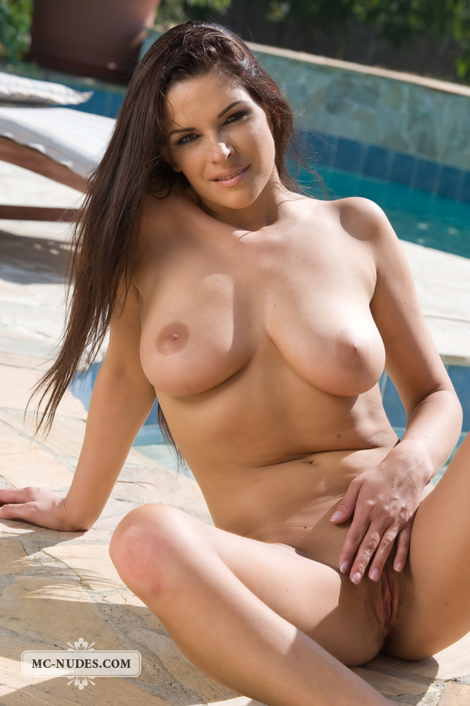 Free amatuer porn young naked