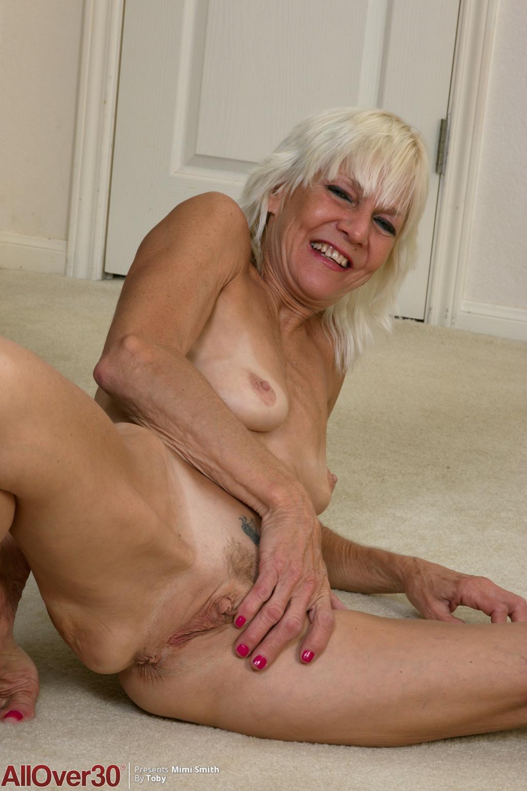 Mimi lesbian