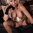 Jan is Sexy in Gold - image control.gallery.php