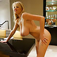 Kelly in Vegas - image control.gallery.php