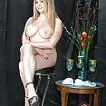 35 year old Aiden Starr - image control.gallery.php