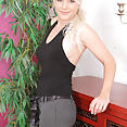 36 year old Marlene - image control.gallery.php