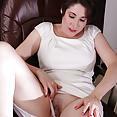 Busty Sadie Jones - image control.gallery.php