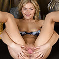 Sexy Ayda - image control.gallery.php