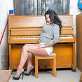 Megan at the piano  - image control.gallery.php