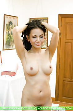 Anya naked at home