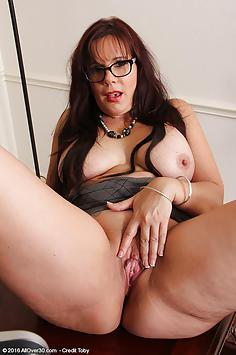 43 year old Sasha Karr