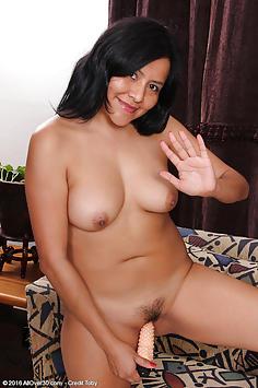 31 year old CiCi Jones