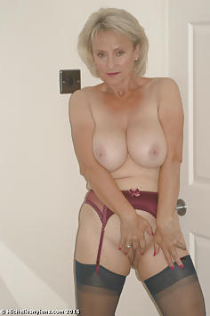 Sexy Married MILF