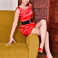 30 year old Nancy Acty - image control.gallery.php