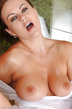 30 year old Tina Kay