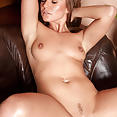 Lucy Lee - Shaven Angel - image control.gallery.php
