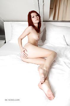 Lynette - Bed Session