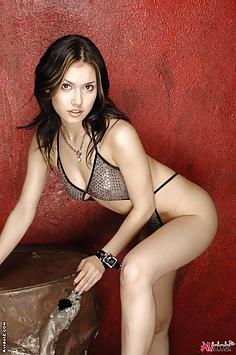 Beautiful Maria Ozawa in swimsuit solo