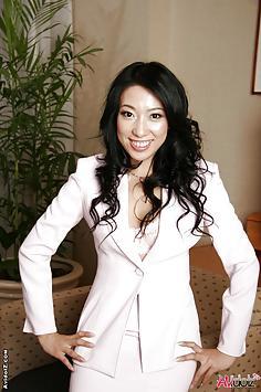 Office lady Ozawa Chris