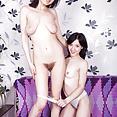 Eva Lisana and Tamanta - image control.gallery.php