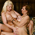 Lynn and April Key - image control.gallery.php