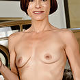 Stella Banks - image control.gallery.php