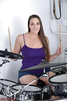 Melanie Hicks