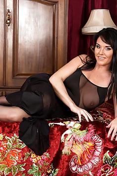 Danielle Leah Raven