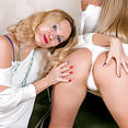 Bella Bond and Foxy Love - image control.gallery.php