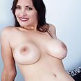 Gianna Chanel - image control.gallery.php